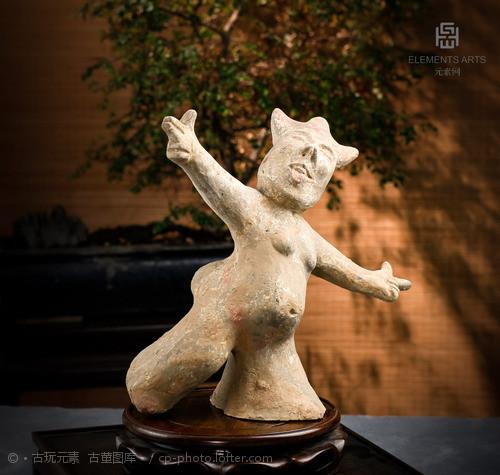 汉代舞人陶像 尺寸:高25.2...